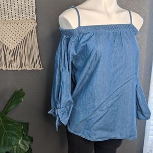 NWT Off Shoulder Chambray Macy's Blouse